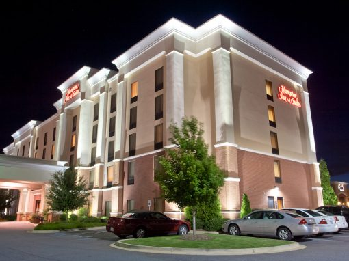 Hampton Inn & Suites Westgate Mall